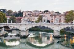 Puente Ponte Vittorio Emanuele II de la tarde Imagen de archivo libre de regalías