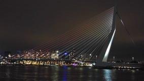 Puente por noche fotografía de archivo libre de regalías