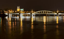 Puente por noche Fotos de archivo libres de regalías