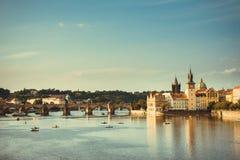 Puente Praga de Charles Imagenes de archivo