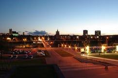 Puente que recorre de la ciudad Foto de archivo libre de regalías