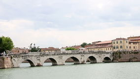 Puente Rímini Italia de Tiberius almacen de video