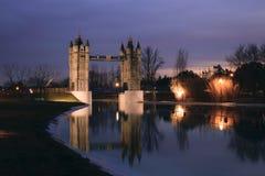Puente reflejado Royaltyfria Bilder