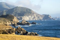 Puente rocoso de la cala Fotografía de archivo libre de regalías