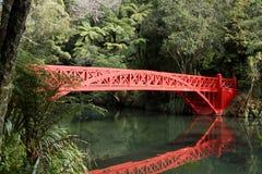 Puente rojo Fotos de archivo libres de regalías