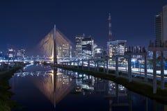 Puente Sao Paulo de Estaiada imagenes de archivo