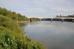 Puente sobre el agua Foto de archivo libre de regalías