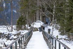 Puente sobre el eibsee del lago Imagen de archivo libre de regalías