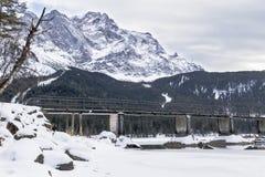 Puente sobre el eibsee del lago Fotografía de archivo libre de regalías
