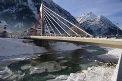 Puente sobre el lech del río en bach Fotografía de archivo