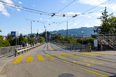 Puente sobre el río de Aare en Berna Foto de archivo
