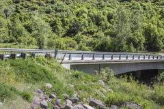 Puente sobre el río de Gunnison, parque de estado de Paonia, Colorado Fotos de archivo