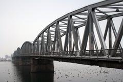 Puente sobre el río Olt fotos de archivo libres de regalías