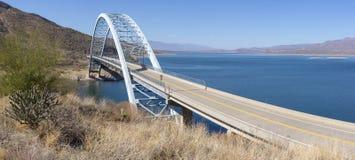 Puente sobre el río Salt en Theodore Roosevelt Dam en Hwy 188 Fotos de archivo libres de regalías