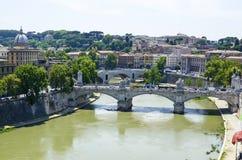 Puente sobre el río Tibre Imagen de archivo