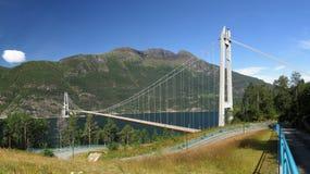 Puente sobre Hardangerfjorden Fotografía de archivo