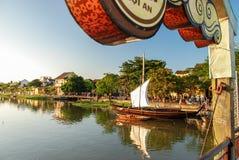Puente sobre Thu Bon en Hoi An, Vietnam Foto de archivo