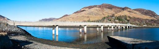 Puente sobre una bahía Imagen de archivo libre de regalías