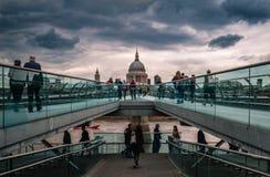 Puente tembloroso imagen de archivo libre de regalías