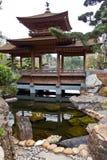 Puente tradicional en el jardín de NaN Lian, Hong Kong Foto de archivo