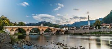 Puente viejo Imágenes de archivo libres de regalías