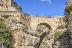 Puente Viejo bro i Ronda, Spanien Arkivfoto