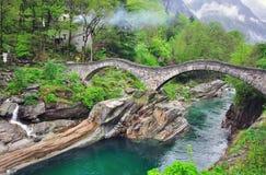 Puente viejo de Vogorno Imagenes de archivo