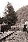 Puente viejo del camino de carril. Pennsylvania. B&W Imágenes de archivo libres de regalías