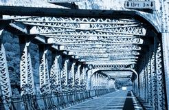 Puente viejo del metal Imágenes de archivo libres de regalías