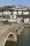Puente viejo en el amor, Cornualles, Reino Unido Imágenes de archivo libres de regalías