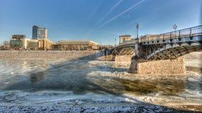 Puente viejo en el invierno Vilna Lituania Fotografía de archivo libre de regalías