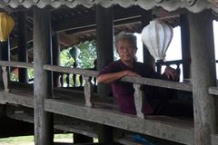 Puente viejo en Vietnam Imagen de archivo