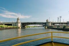 Puente viejo grande en la ciudad de Chicago fotografía de archivo libre de regalías