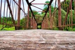 Puente visto del interior Imágenes de archivo libres de regalías