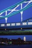Puente y canario Warf de la torre   imágenes de archivo libres de regalías