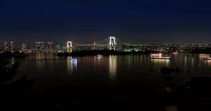 Puente y casas flotantes, del arco iris de la bahía de Tokio timelapse 4k almacen de metraje de vídeo