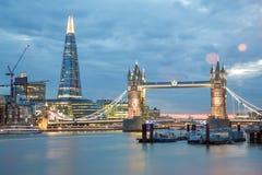 Puente y casco de la torre Imágenes de archivo libres de regalías