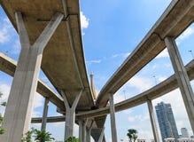 Puente y cielo imagen de archivo
