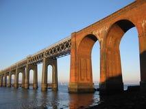 Puente y Dundee del carril de Tay del Fife, Escocia fotos de archivo libres de regalías