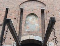 Puente y entrada antedichos de elevación del fresco a la fortaleza de Castelvecchio Imagen de archivo