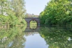 Puente y las reflexiones de él Fotografía de archivo libre de regalías