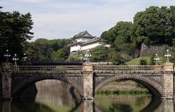 Puente y parte del palacio imperial Fotos de archivo