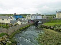 Puente y río Fotografía de archivo