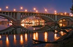 Puente y registro Imagen de archivo libre de regalías