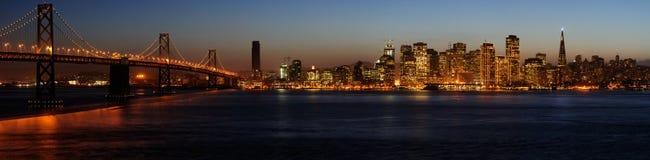 Puente y San Francisco D de la bahía Imagen de archivo libre de regalías