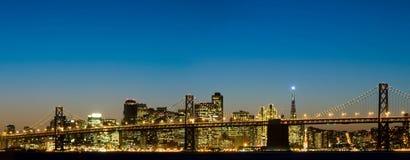 Puente y San Francisco de la bahía Fotografía de archivo