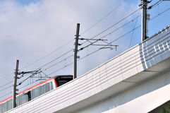 Puente y tren ferroviarios del viaducto Fotografía de archivo