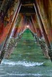 Puentee el fondo y señale por medio de luces de la entrada Imagen de archivo libre de regalías