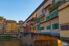 Puentee Ponte Vecchio en Florencia Fotos de archivo