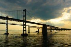 Puentes de la bahía de Chesapeake de una cubierta del barco de cruceros Fotografía de archivo